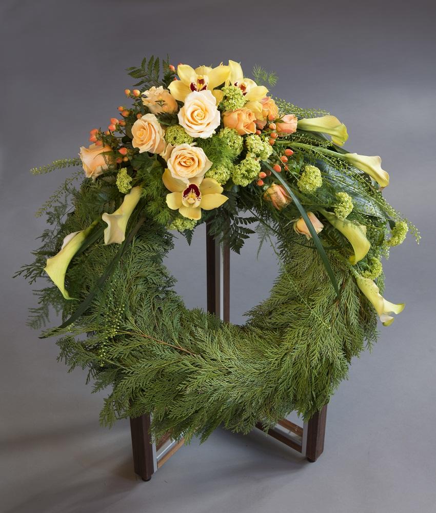 Kronekrans i gylden inspirasjon fra Jølstad